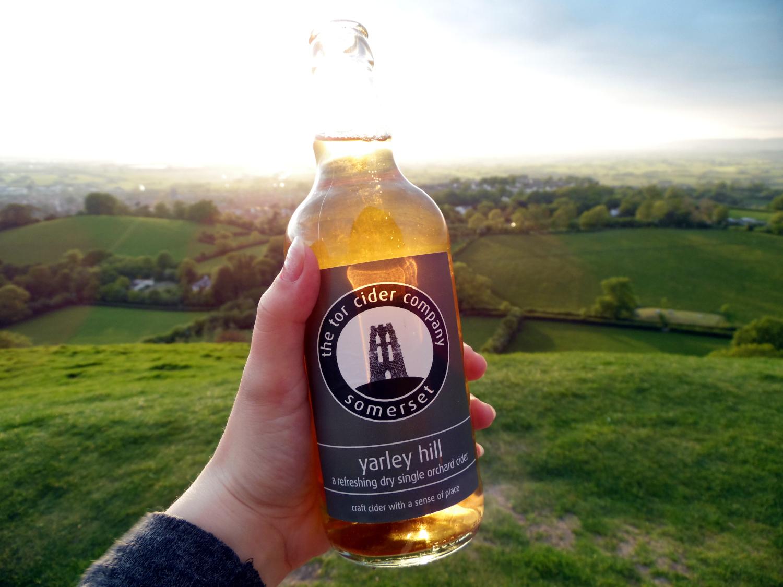 Coucher de soleil sur Glastonbury Tor