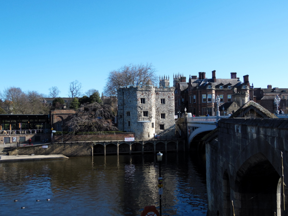 Faire le tour de York via les remparts