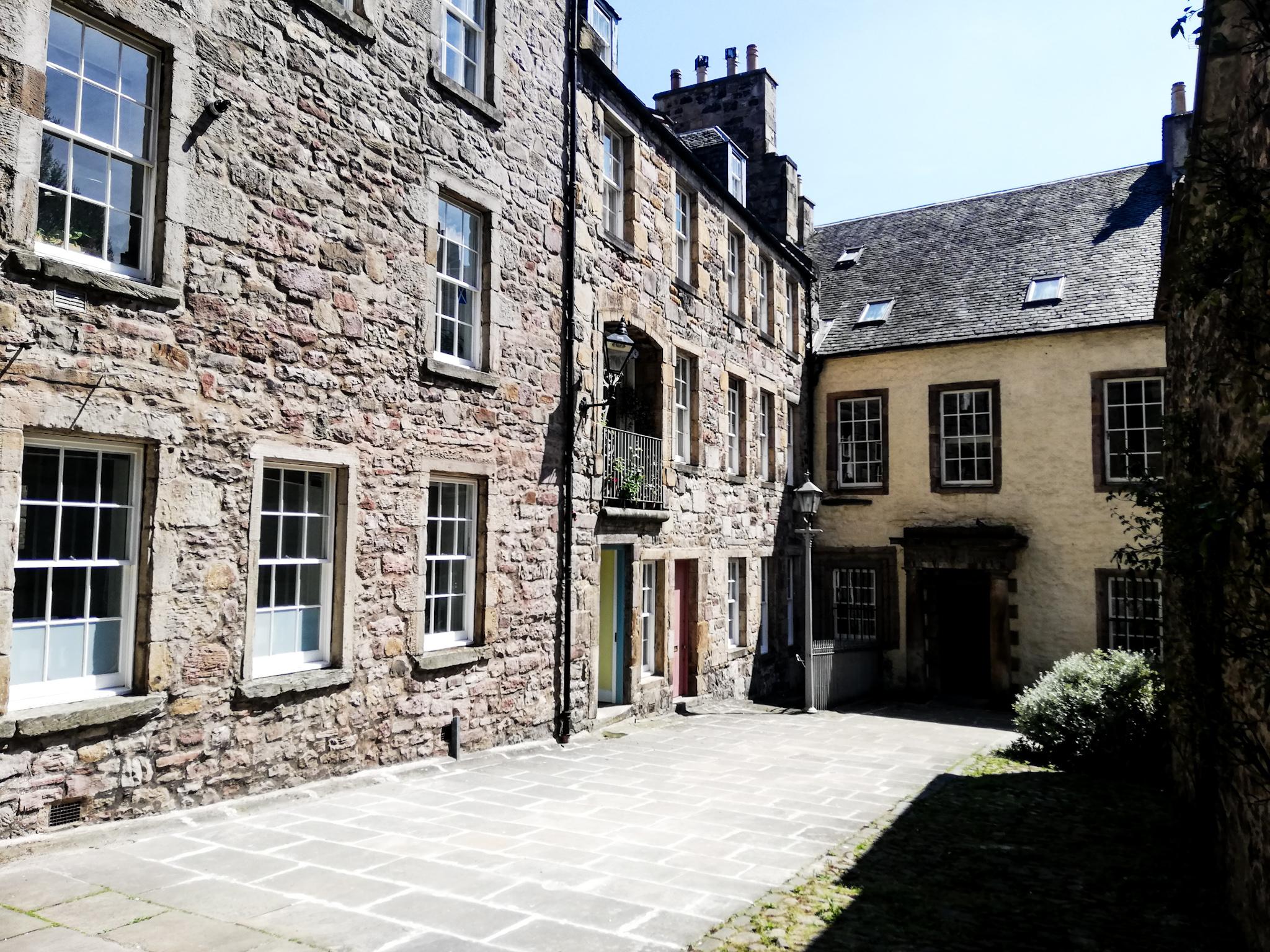 Edinburgh, Bakehouse Close